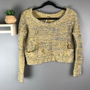 Free People chunky fuzzy crop sweater size small